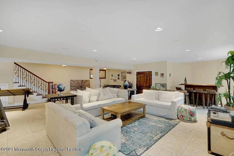 Oasis Paradise on Estate Like Property!