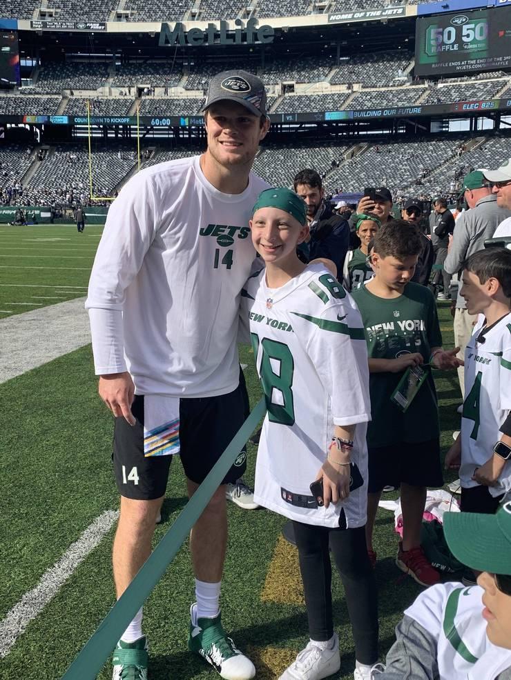 New York Jets QB Sam Darnold and Ellie Manheim