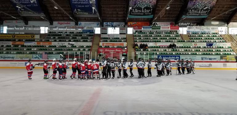 20181227-20181227_113030_Bulldogs vs. Rosenheim_3_Handshake Line.jpg