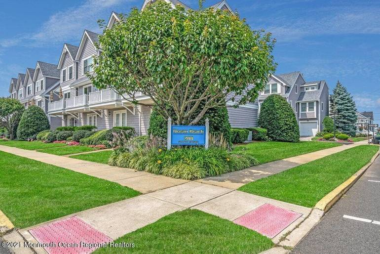 SOLD!: Rare Townhome Offering