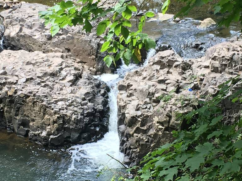 Watchung_Reservation_Waterfall.jpg