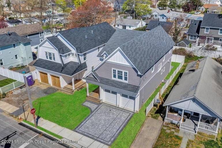 SOLD: Brand-New Home in Popular Beach Town