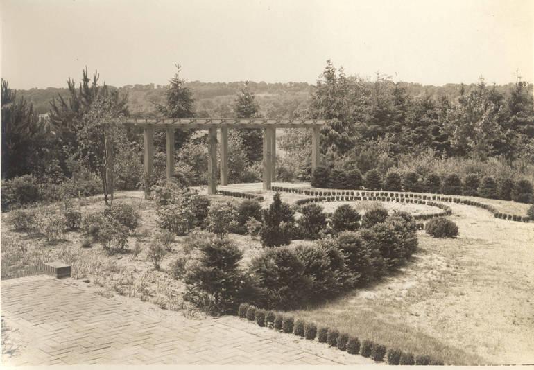 Dey Garden 4).jpg