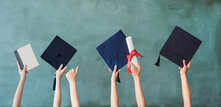 Graduation, school ceremony (all ages)
