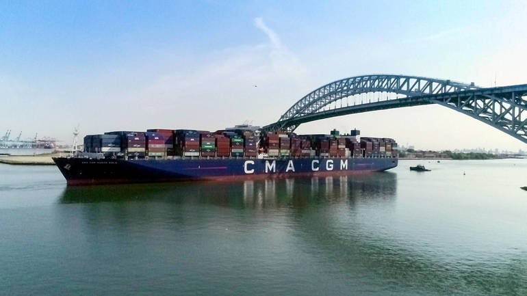 VIDEO: The Largest Container Ship to Ever Reach the East Coast Docks in Elizabeth