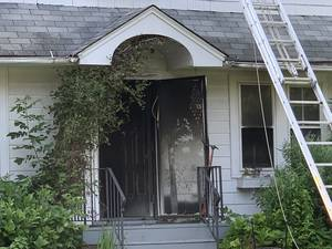 Maplewood Firefighters Strike Down House Fire