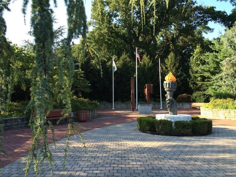 9-11 Memorial Echo Lake Park.JPG