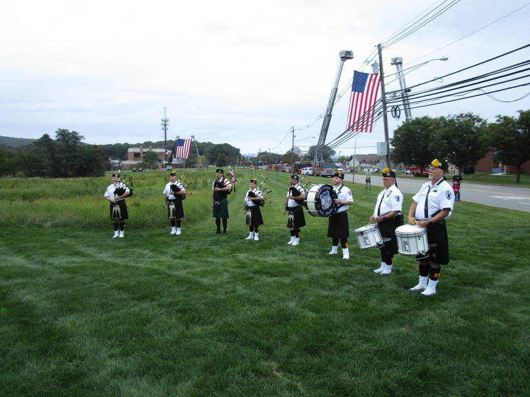 911=pipes and drums.JPG