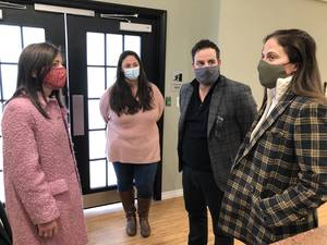 First Lady Tammy Murphy Visits Bloomfield Vaccination Site