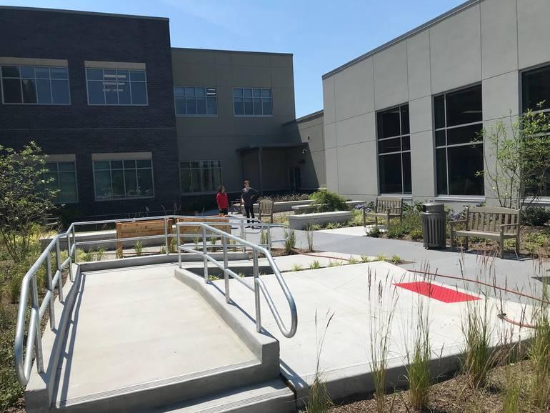 93 therapeutic courtyard.jpeg