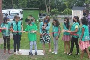 Bloomfield Girl Scouts Cut Ribbon at Little Free Food Pantry