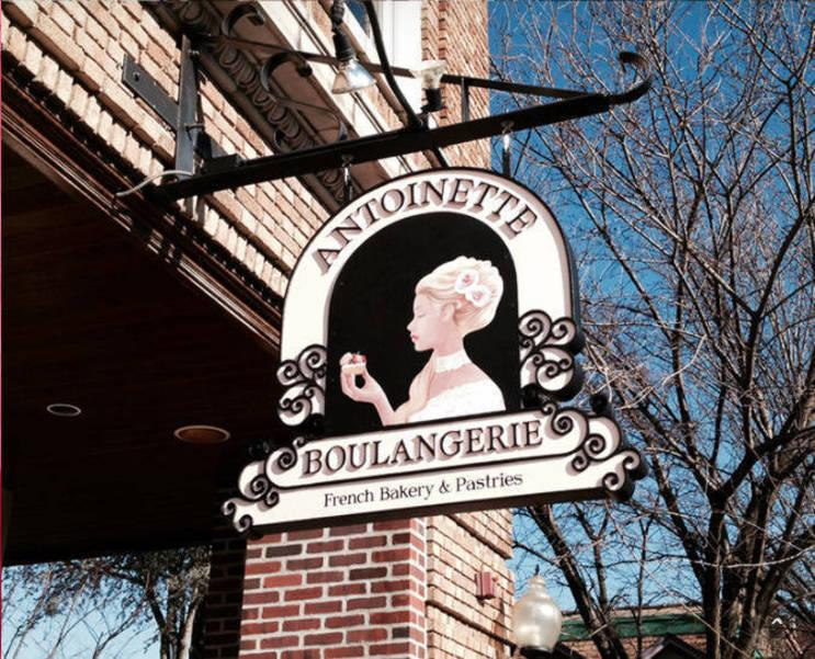 Antoinette B sign.png
