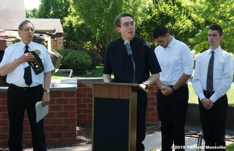 a Pastor Donald Kirschner says a prayer ©2019 TAPinto Montville.JPG