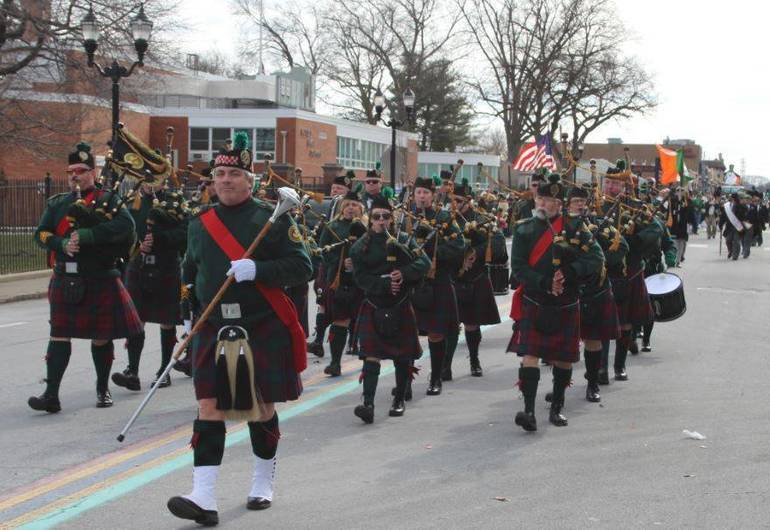 21a5c79330bcc30fdd25_Bagpipers_383.JPG