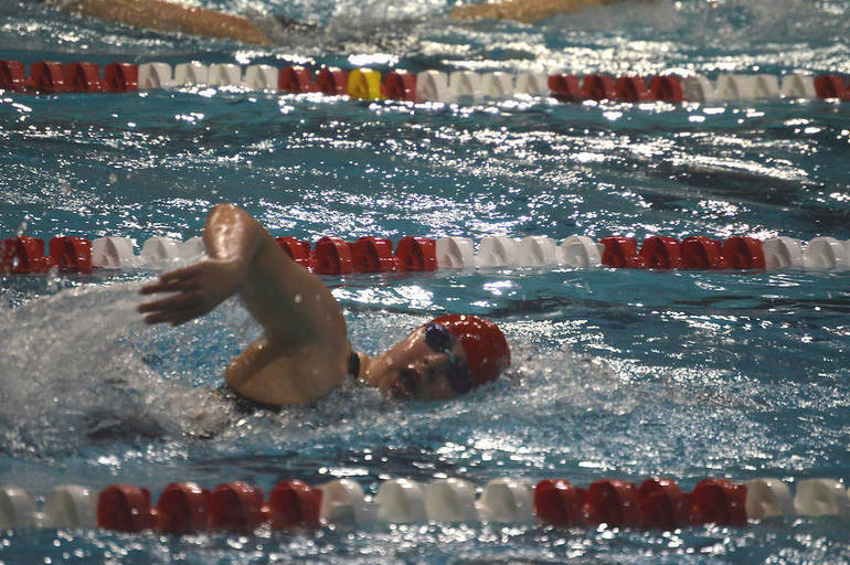 Bailey Gold of Gov. Livingston wins the 500 Freestyle.png