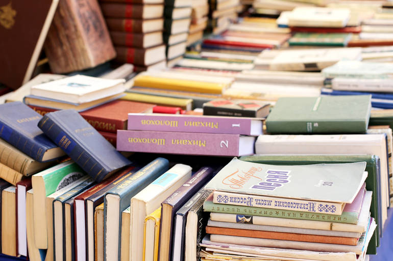 Book Donations Sought for Upcoming Summit College Club Book Sale