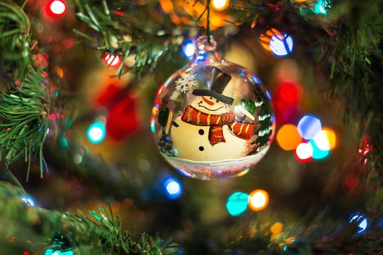 Santa Arrives in Edison