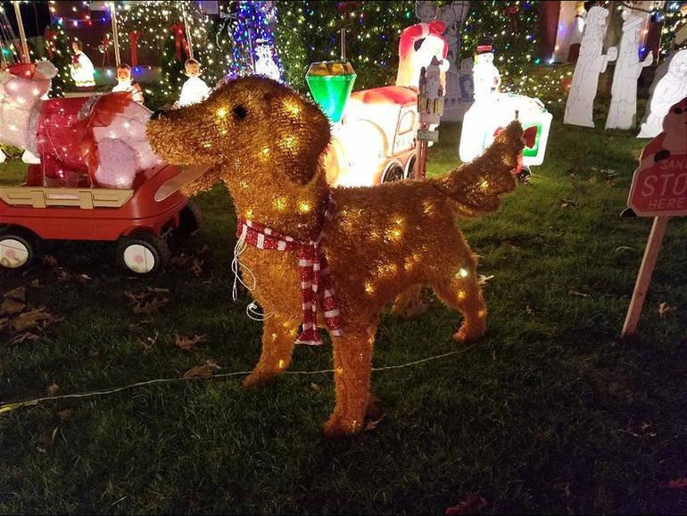 Christmas House 2019e.png
