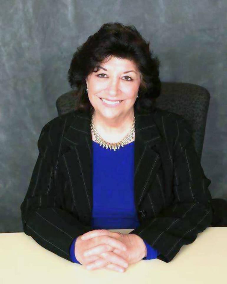 Christine Dansereau.png