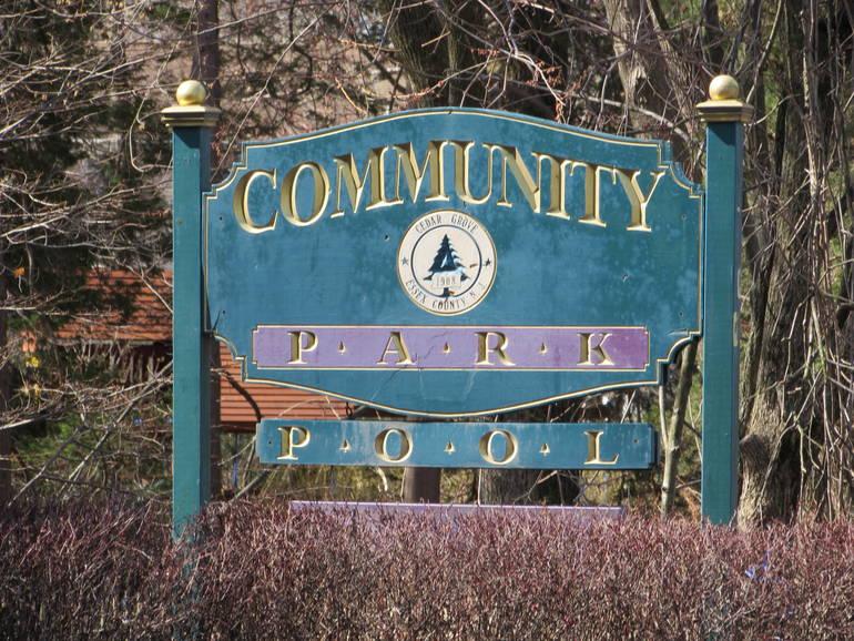 community pool sign.JPG