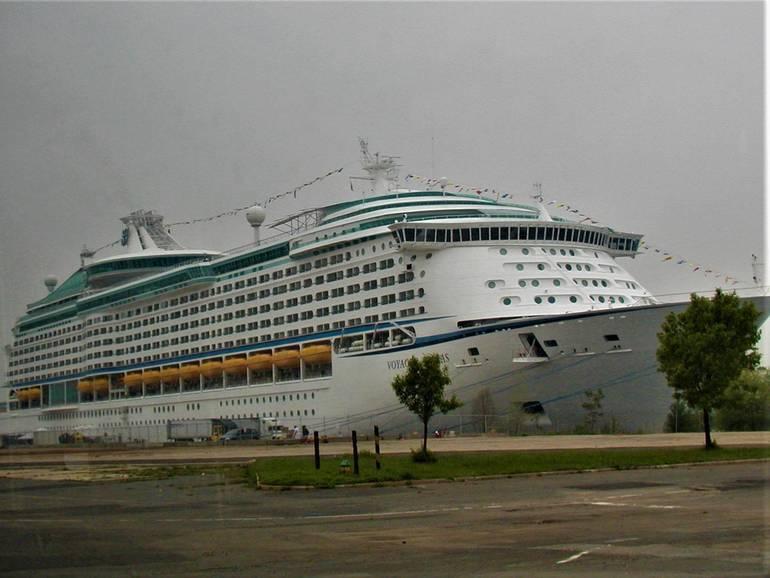 cruise ship.jpg