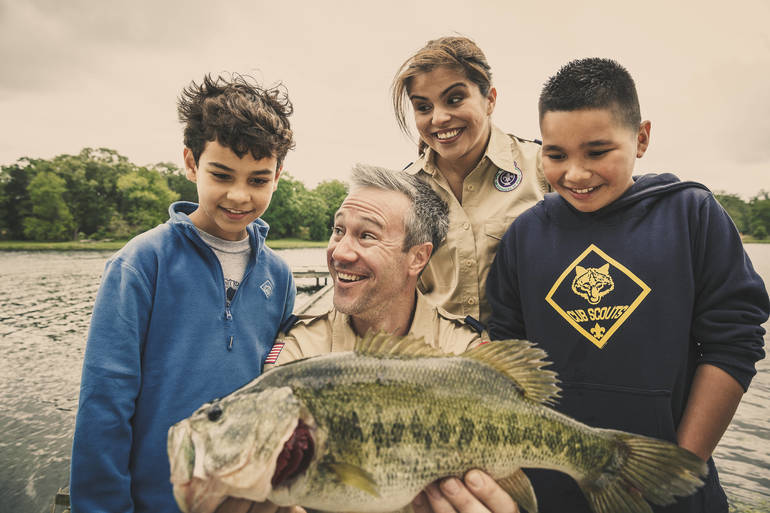 cub scouts fishing.jpg