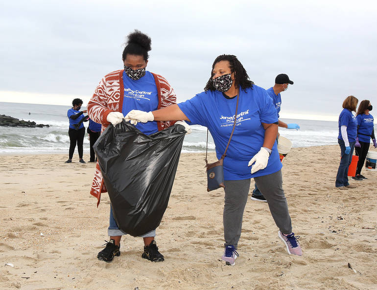 JCP&L Supports Clean Ocean Action's Annual Fall Beach Sweeps