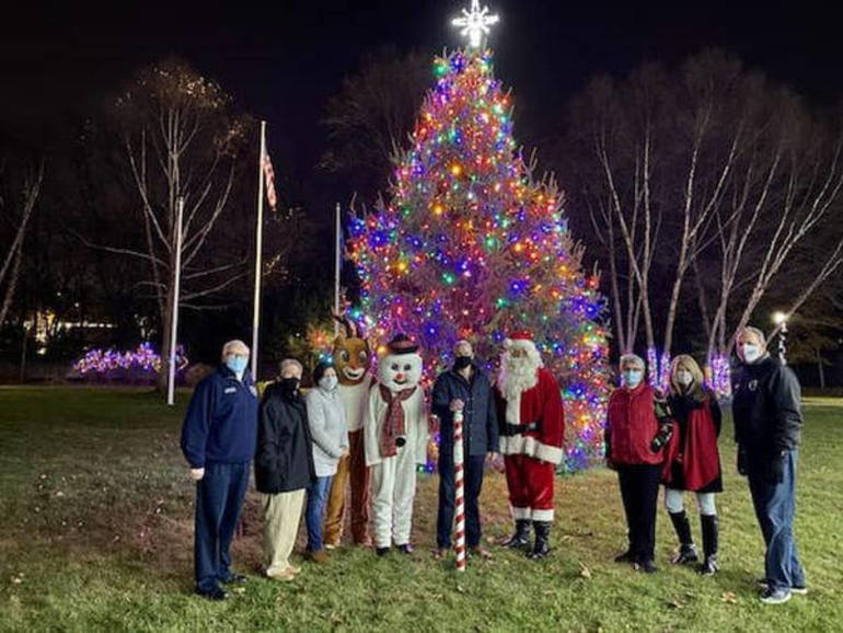 Special Guests Joined Mayor Kazmark for Woodland Park's Tree Lighting