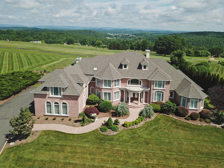 Panoramic Views Overlooking Skyview Golf Course