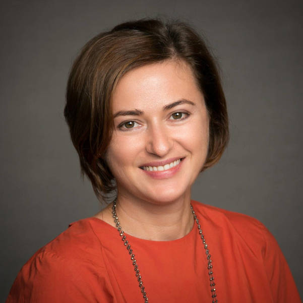 Dr. Angela Alistar 2017 b.jpg