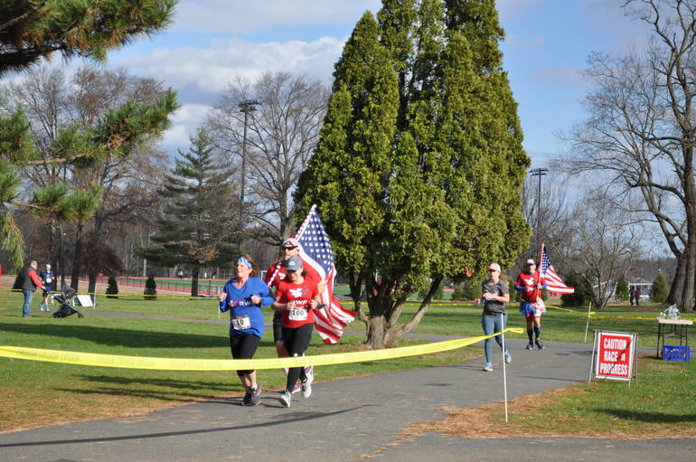 Turkey Trot 2020: Running Tradition Continues Despite Pandemic