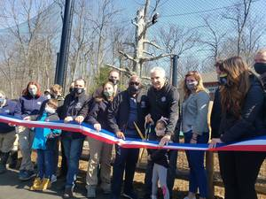 Essex County Turtle Back Zoo Dedicates New Bald Eagle Exhibit