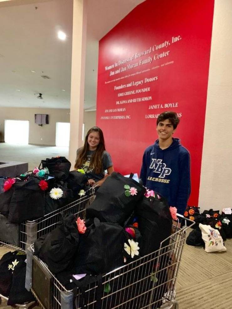 Kids Care Volunteers Create Mother's Day Tote Bags