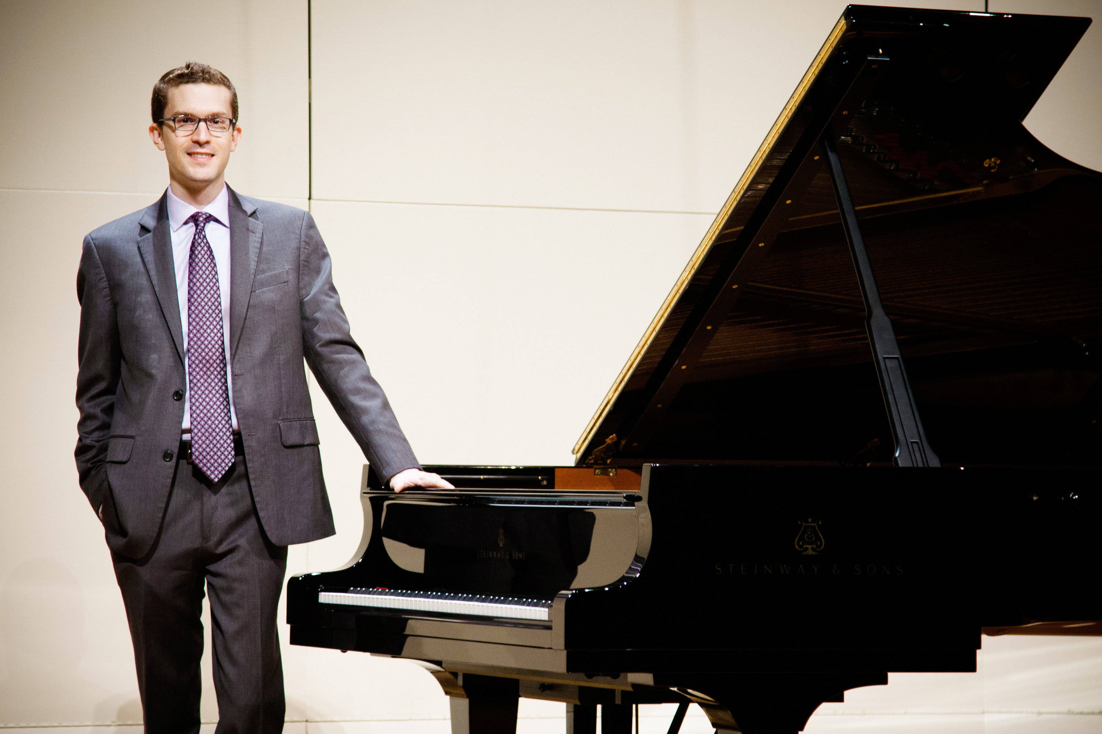 Free piano concert with Montclair native at Temple Sholom
