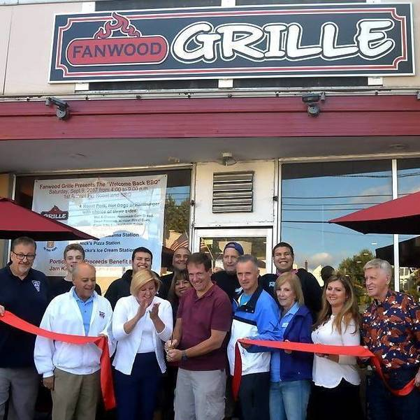 Fanwood Grille ribbon cutting.jpg