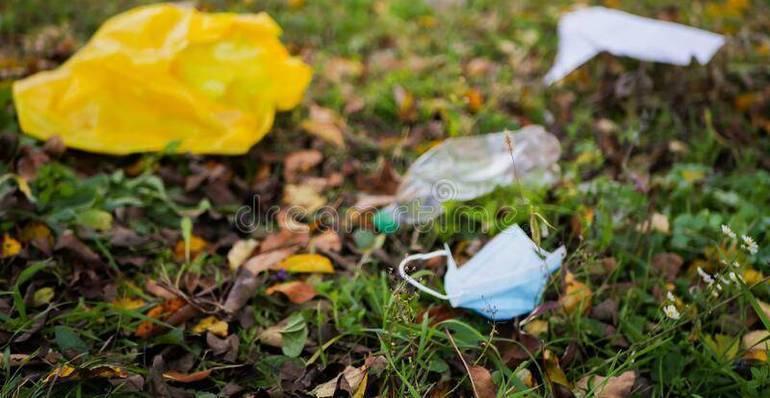 face-mask-litter-plastic-lay-grass-dreamstime.jpg
