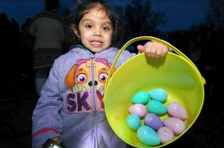 Flashlight Egg Hunt 2019 e.JPG