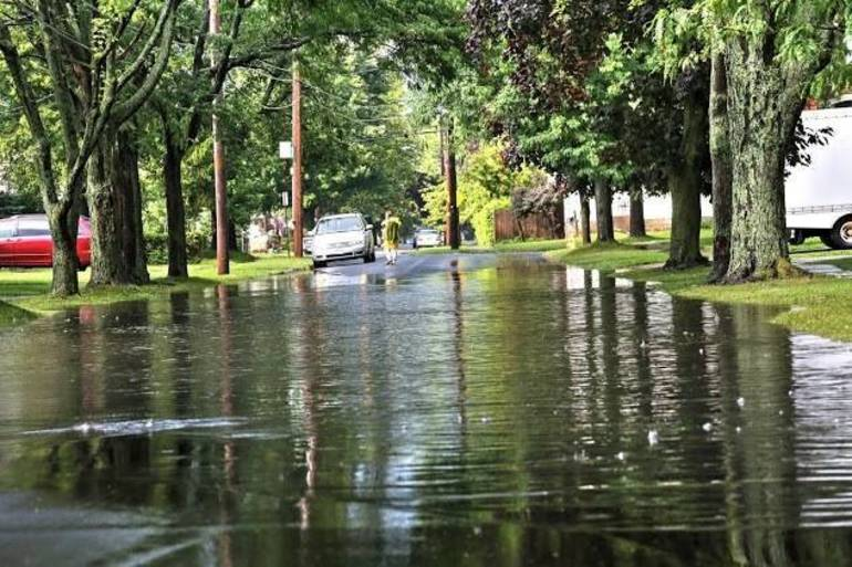 Piscataway Police: Flooding Closes Sidney Rd at S Randolphville Rd