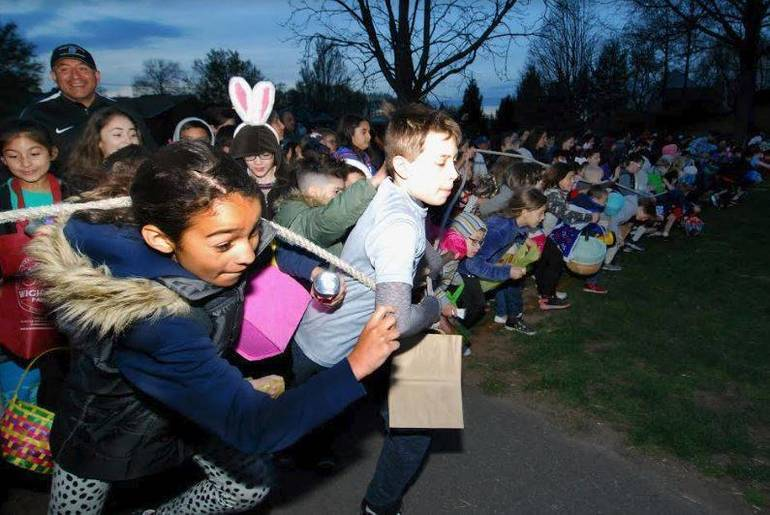 Flashlight Egg Hunt 2019 b.JPG