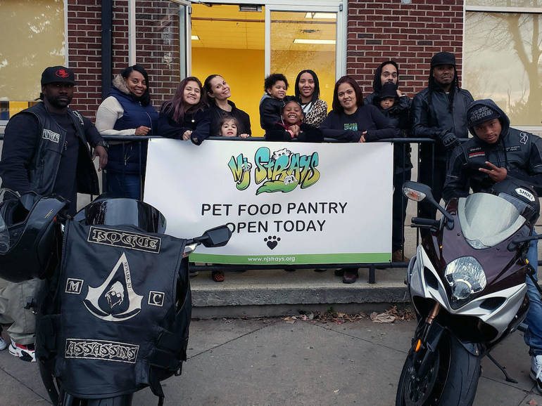 NJ STRAYS Helps Pet Owners in Need