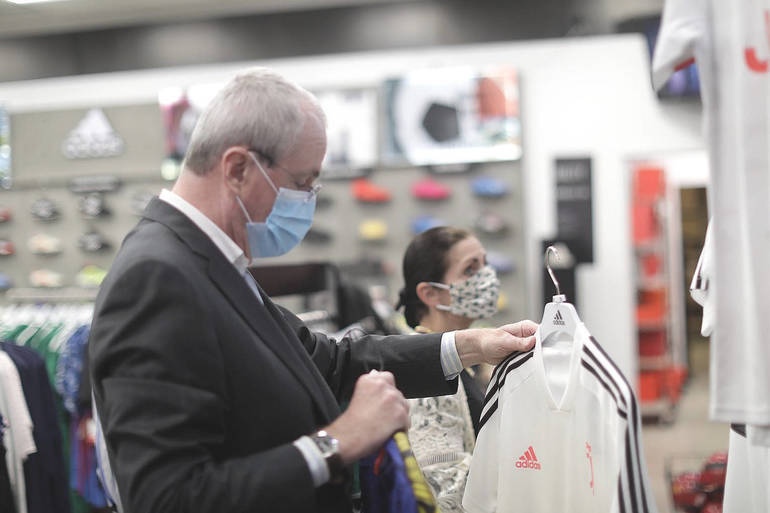 Governor shopping at the Soccer Post in Eatontown.png