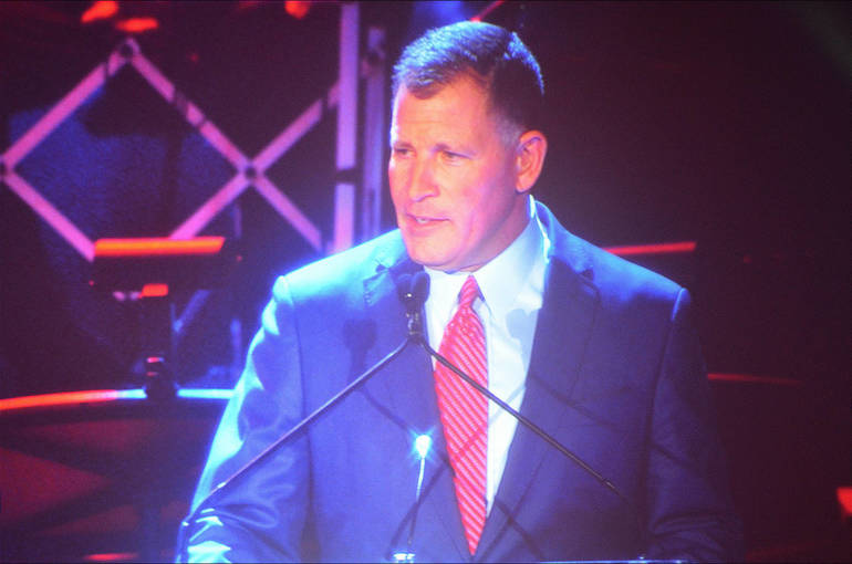 Greg Schiano inducts Jerry Izenberg.png