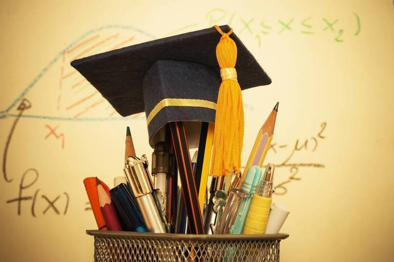 State: Schools Should Consider Screening Graduation Guests For Fevers