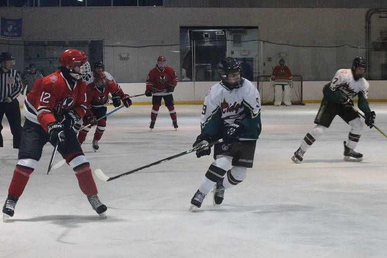 Hunterdon Central-Ridge ice hockey.jpg