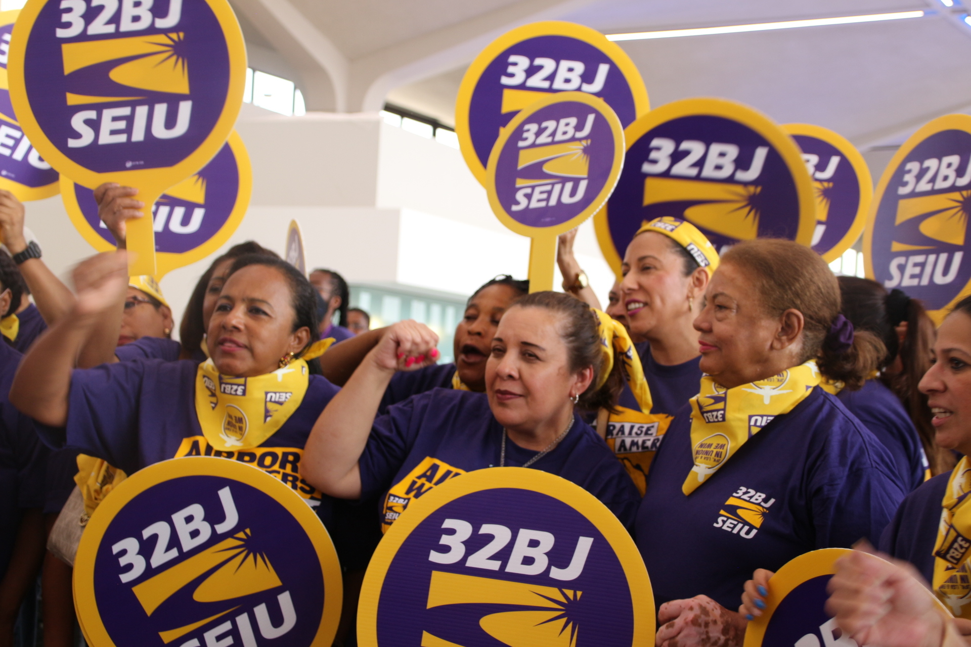 Newark Airport Workers Rally for $19 Minimum Wage Ahead of Port Authority Vote