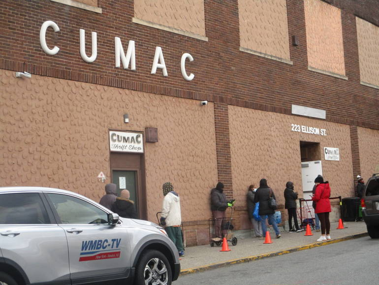 Gov. Murphy Visits Paterson's CUMAC to Honor Dr. King Through Service