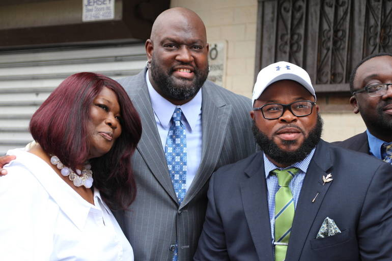 Former Red Sox Player Steps Up to the Plate to Fix 'Unbearable' Conditions in Newark Apartments