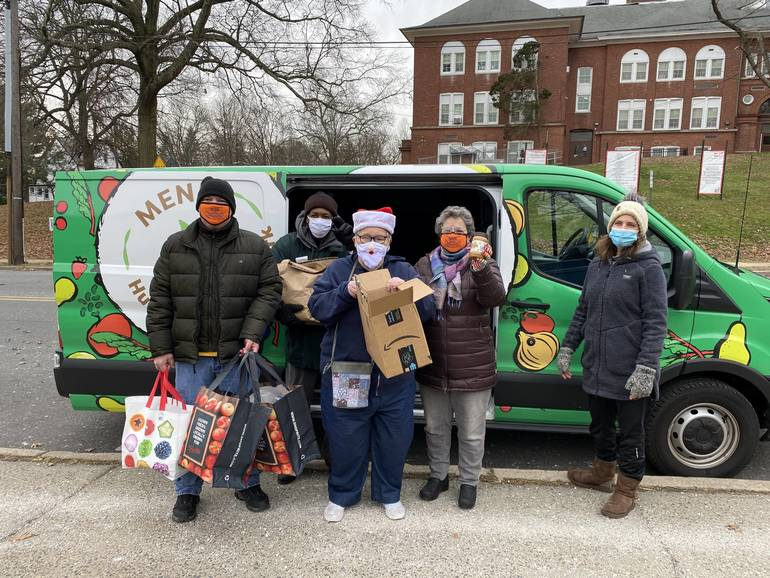 JESPY Partners with Maplewood Chamber of Commerce for MEND Food Drive