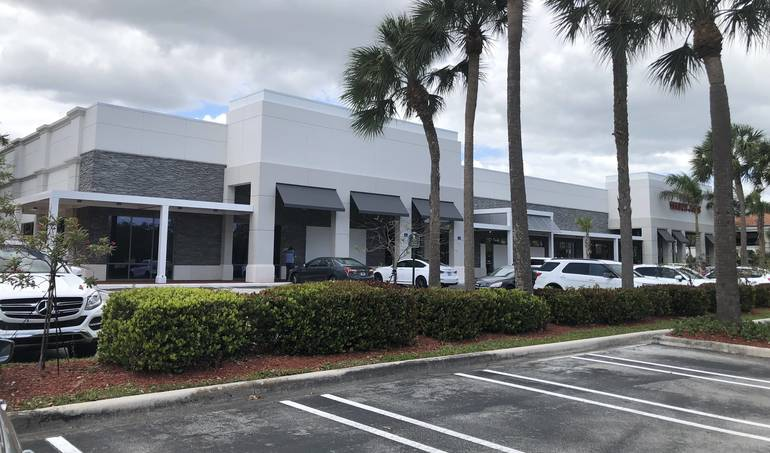 The building in The Walk in Coral Springs where the Barnes & Noble store will open.