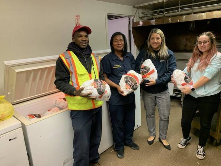 SUEZ and The Shauger Group Make Thanksgiving Memorable for Local Families